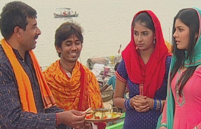 Watch Mann Kee Awaaz Pratigya TV Serial Episode 14 - Money in the aarti  thali Full Episode on Hotstar