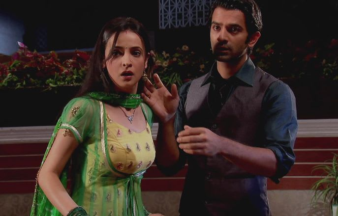 Watch Iss Pyar Ko Kya Naam Doon TV Serial Episode 14 - Payal Pleads For  Forgiveness Full Episode on Hotstar