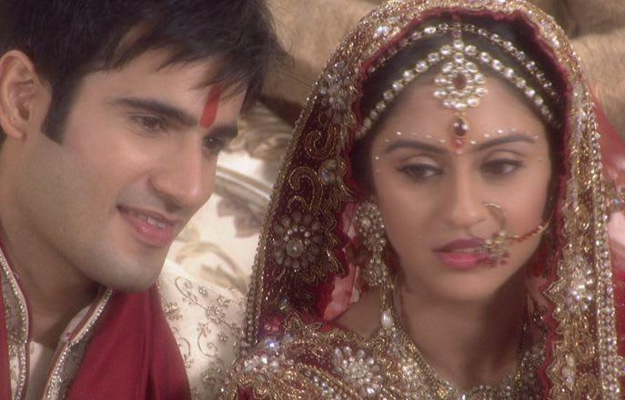 Watch Ek Hazaaron Mein Meri Behna Hai TV Serial Episode 15 - Viren gets an  emergency call Full Episode on Hotstar