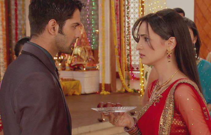 Watch Iss Pyar Ko Kya Naam Doon TV Serial Episode 39 - Khushi congratulates  Arnav Full Episode on Hotstar