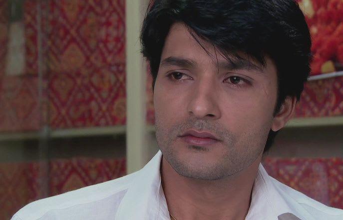 Watch Diya Aur Baati Hum TV Serial Episode 70 - Sooraj upsets Santosh Full  Episode on Hotstar