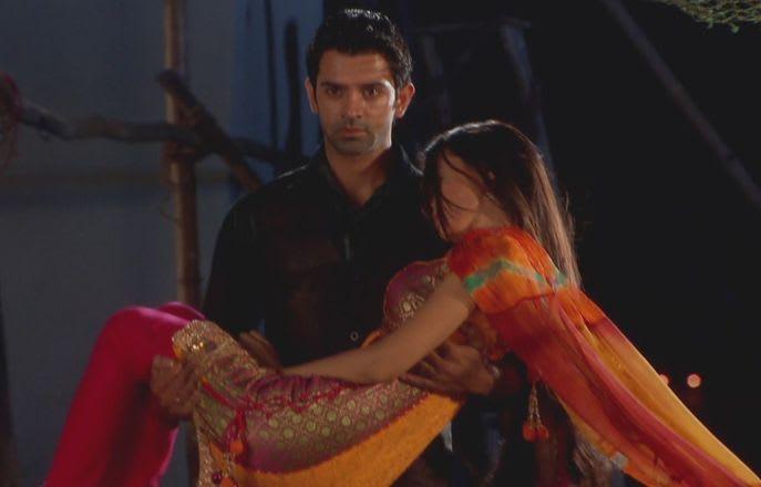Watch Iss Pyar Ko Kya Naam Doon TV Serial Episode 28 - Arnav drops Khushi  home Full Episode on Hotstar