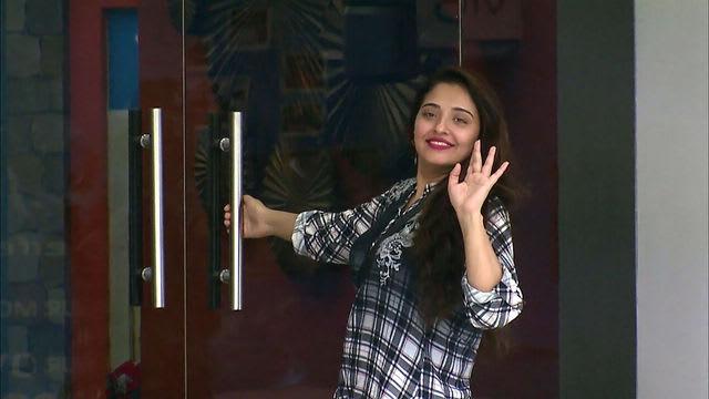 Watch Bigg Boss TV Serial Episode 19 - Mumtaz Proves Herself! Full Episode  on Hotstar