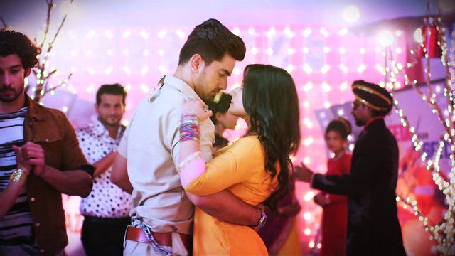 Watch Naamkarann TV Serial Episode 24 - AvNeil Have A Dance Full Episode on  Hotstar