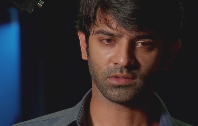 Watch Iss Pyar Ko Kya Naam Doon TV Serial Episode 28 - Arnav kidnapped,  held hostage Full Episode on Hotstar