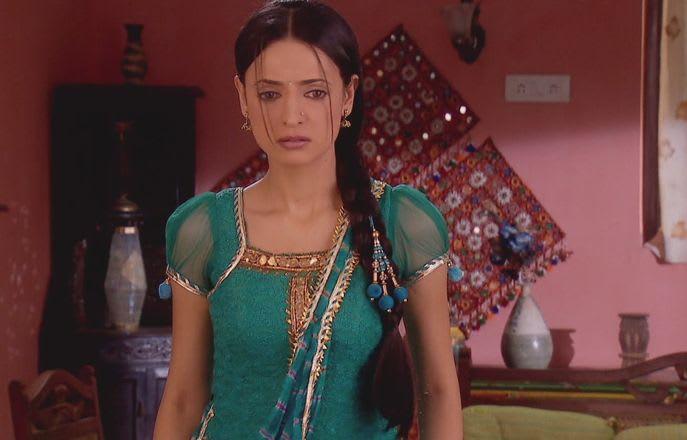 Watch Iss Pyar Ko Kya Naam Doon TV Serial Episode 23 - Khushi impersonates  Manorama and Madhumati Full Episode on Hotstar