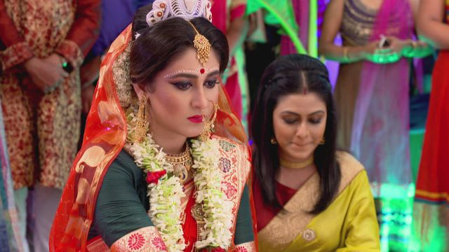 Watch Phagun Bou TV Serial Episode 82 - Ayandeep, Mahul Get Married Full  Episode on Hotstar
