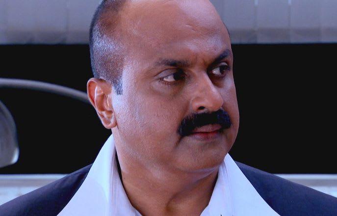 Watch Har Yug Mein Aaega Ek Arjun TV Serial Episode 4 - The peeper Full  Episode on Hotstar