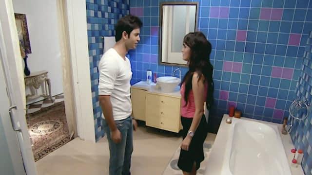 Watch Main Laxmi Tere Aangan Ki TV Serial Episode 14 - Ajay Meets Soumya  Full Episode on Hotstar