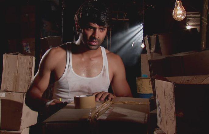 Watch Iss Pyar Ko Kya Naam Doon TV Serial Episode 49 - Arnav sends a note  to Khushi Full Episode on Hotstar