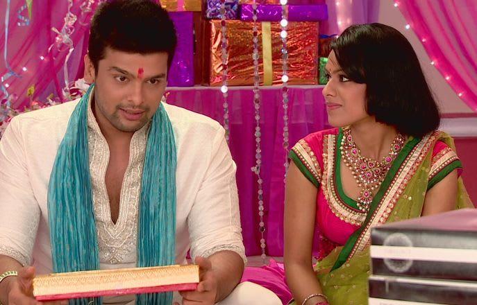 Watch Ek Hazaaron Mein Meri Behna Hai TV Serial Episode 9 - Viraat  convinces Swamini Full Episode on Hotstar