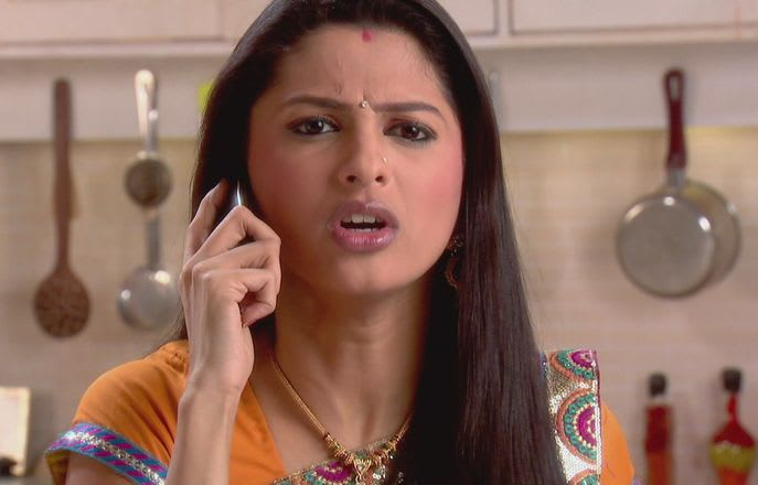 Watch Rashi complains about Gopi to Urmila Online (HD) for Free on  hotstar com