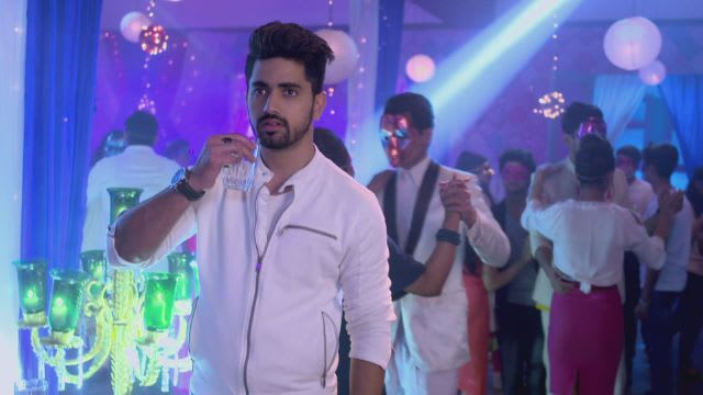 Watch Naamkarann TV Serial Episode 21 - Avni Spots Neil Full Episode on  Hotstar
