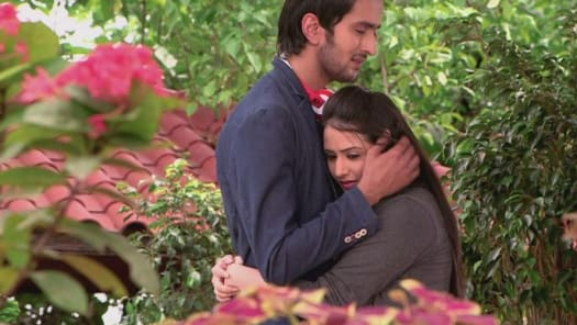 Watch Gustakh Dil TV Serial Episode 2 - Nikhil's clash with Laajo