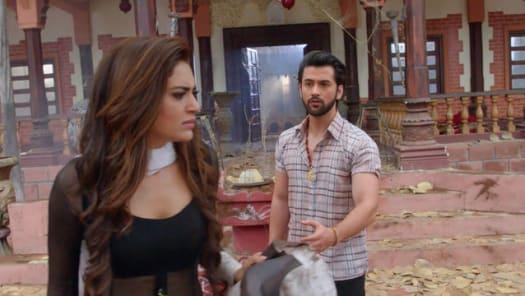 Watch Qayaamat Ki Raat TV Serial Episode 7 - Tantrik Gets