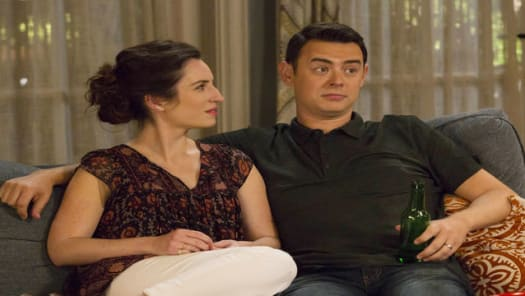 Watch Life In Pieces Season 1 Episode 6 Online on Hotstar